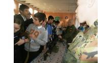 знакомство со стрелковым вооружением учащимися школы № 567